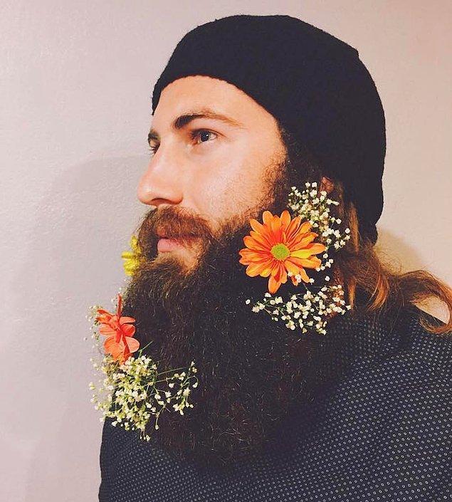 10. Büyük çiçeklerden birkaç tane veya,