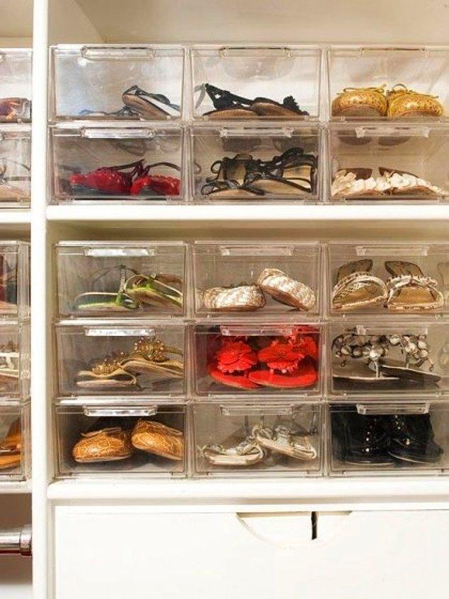 9. Bir diğer alternatif olarak ayakkabılarınızı şeffaf kutularda saklayarak da aradığınız ayakkabıyı kolaylıkla bulabilirsiniz.