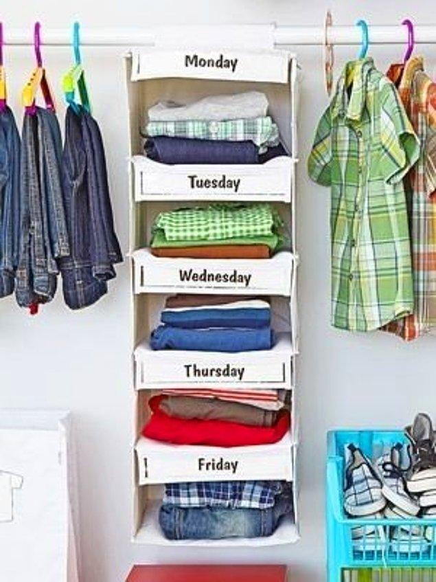 35. Kıyafetlerinizi gün gün sınıflandırmanın başka bir yolu.