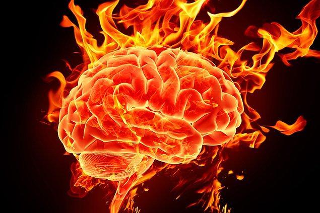 13. Yüksek IQ'lü insanlar, beyin faaliyetlerinin yüksek oluşu ve beynin fazla kullanımından ötürü depresyona 3 kat fazla yatkındır.