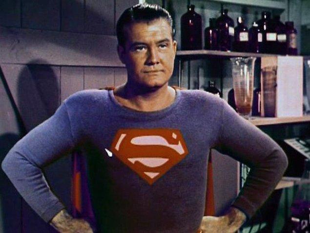 Batman 66'da, Superman 52'de TV dizisi olarak ekranlara döndü.