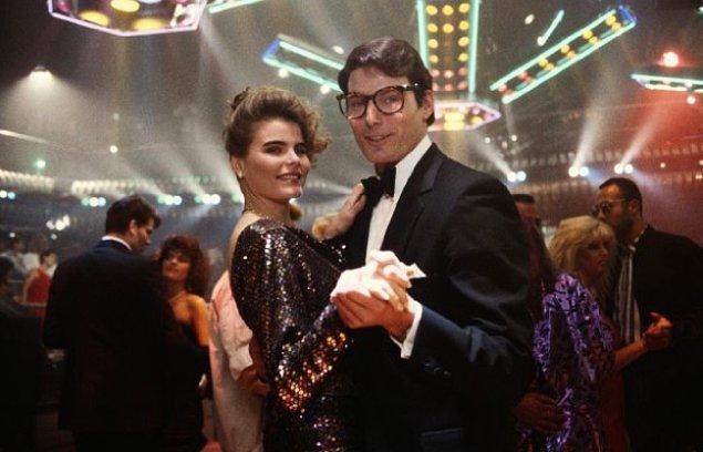 Superman için Reeve'in başrolünde olduğu üç film çekildi. Batman filmleri ise 90'lı yıllarda devam etti ama farklı aktörlerle...