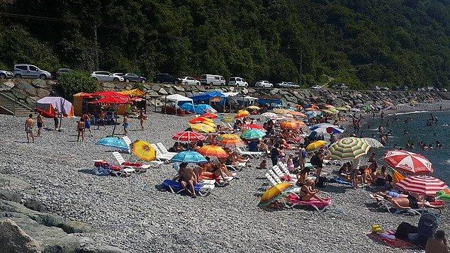 8. Kıyıcık plajına giderek denizin tadını çıkarmak.