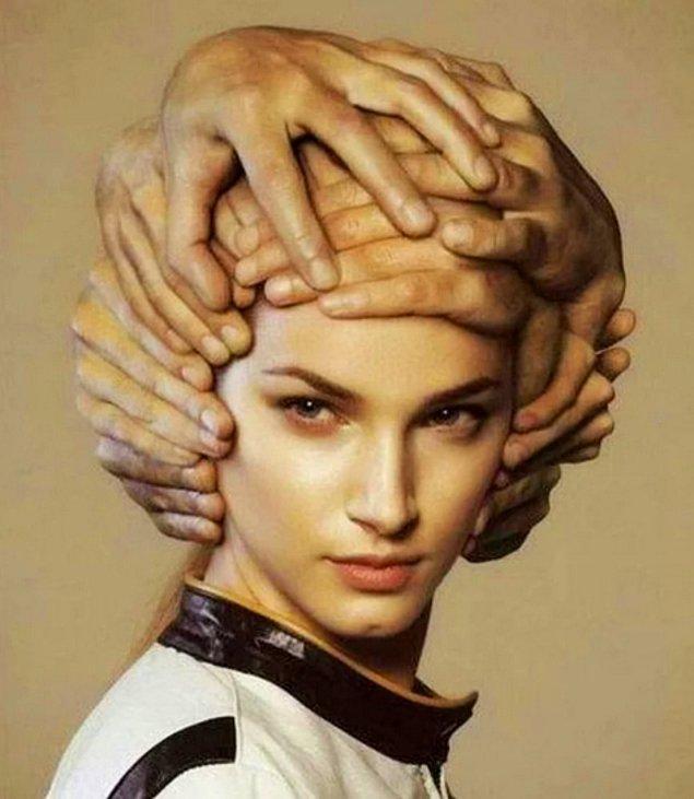 8. Saç kesimi boyunca kafanızı sürekli hareket ettirin ki saçınızı asla kesemesin, işini zora soktuğunuz için çok mutlu olacaktır.
