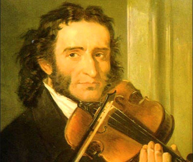 30. Pek çok kişi tarafından tüm zamanların en iyi keman virtüözü olarak kabul edilen Niccolò Paganini, o kadar iyi bir müzisyendi ki, insanlar onun şeytanın oğlu olduğuna veya yeteneğini kazanmak uğruna ruhunu sattığına inanıyordu.