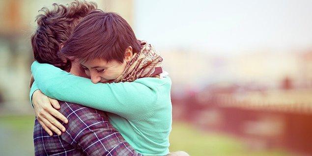 4. İnce düşünceli insanlardır. Yakınlarındakileri mutlu etmeye bayılırlar.