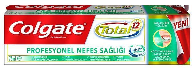 Neyse ki Colgate'in yeni diş macunu sayesinde bunları dert etmenize gerek kalmadı. Çünkü yeni Colgate Total Profesyonel Nefes Sağlığı ile tam 12 saat boyunca ağzınız sağlıklı, nefesiniz temiz kalır!