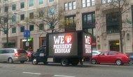 Erdoğan İçin Washington'da Reklam Kamyoneti: 'We Love President Erdogan'