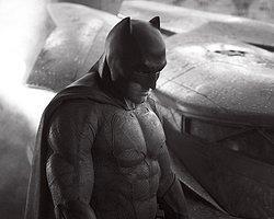 İçine Dönük, Zeki, Güçlü: Batman!