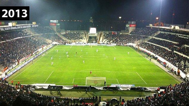 2. Yıkımına 31 Mayıs 2013'te başlanan yeni stadın temeli Aralık 2013'te atılmıştı.