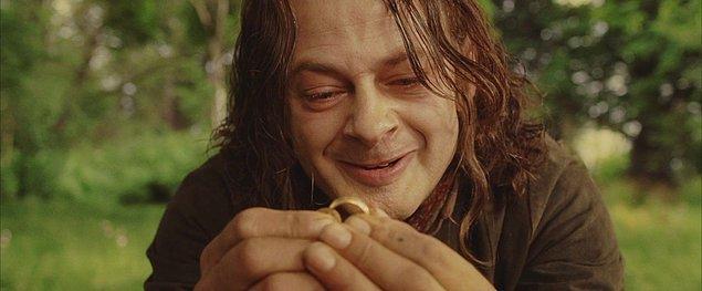 'Smeagol yüzüğün etkisi altına girmeden önce özünde bir hobbit'