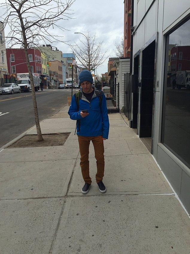Джереми, молодой человек из Нью-Йорка, решил провести необычный эксперимент - прожить целых семь дней без своего айфона