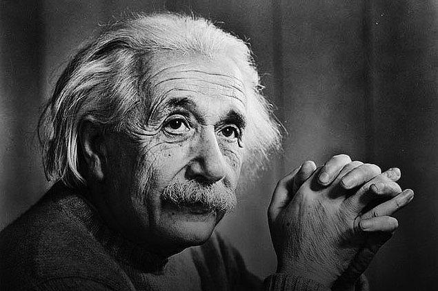 Dizinin ilk sezonu için konu edilen isim ise; hayatı ve başarıları günümüzde dahi çok ilgi gören, tüm zamanların en önemli bilim adamlarından biri olan Alman teorik fizikçi Albert Einstein.