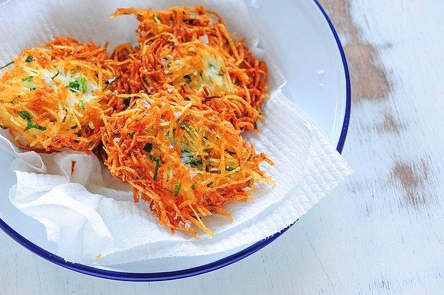 8. Patates+Beyaz Peynir+Taze Soğan+Un+Yumurta