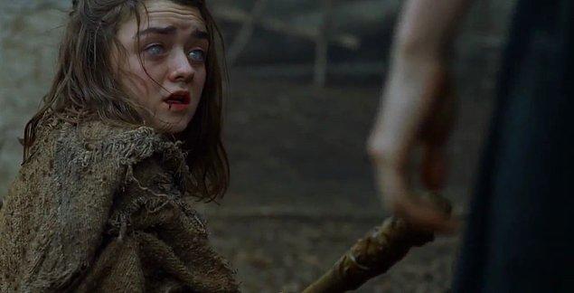 Starkların en büyük umudu Arya cephesinde de olaylar çok karışık.