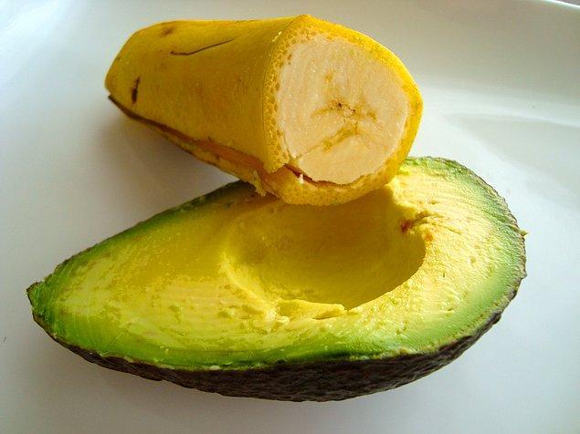 6. En doğalından; yulaflı, muz ve avokado püresi