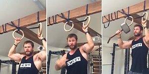 Chris Hemsworth, Barfiks Çekerken Kaptan Amerika'ya Saydırdı