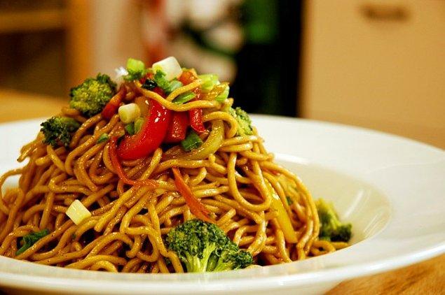 6. Tavuklu Noodle