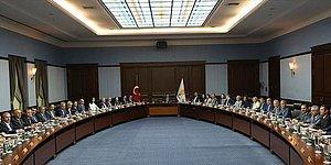 AKP'de Kritik MYK Toplantısı Sonrası Gözler Davutoğlu'nda