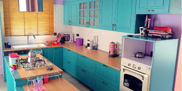 Instagram'ın Yeni Çılgınlığı Renkli Mutfaklar ve Bu Trendin Mimarı Türk Ev Hanımları