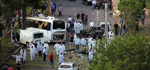 1. Diyarbakır'da Bombalı Saldırı: 3 Ölü 45 Yaralı