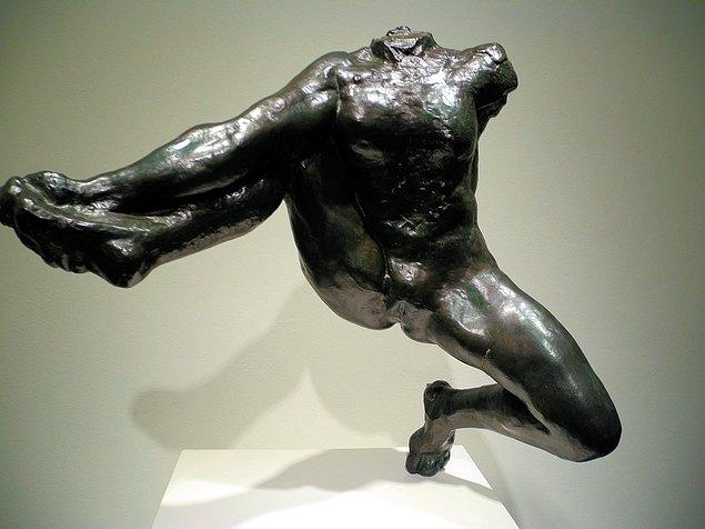 1917'de 77 yaşında hayata veda eden Fransız sanatçı Rodin'in 'Tanrıların Elçisi Iris' adlı bronz heykelini aktör Sylvester Stallone 16,6 milyon dolara rekor fiyatla açık artırmada satın almıştı