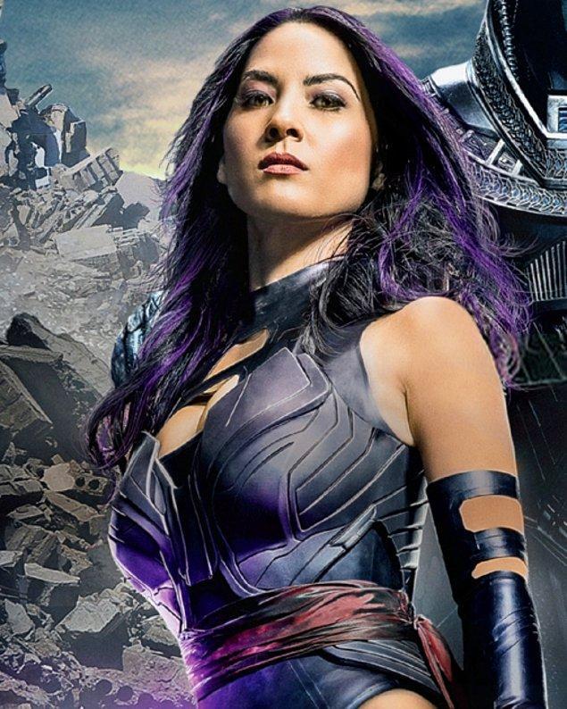 5. Psylocke (Olivia Munn) / Müjde Uzman