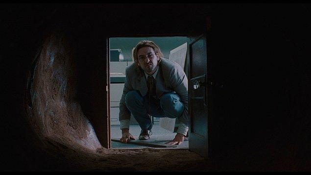 9. Being John Malkovich / John Malkovich Olmak (1999)