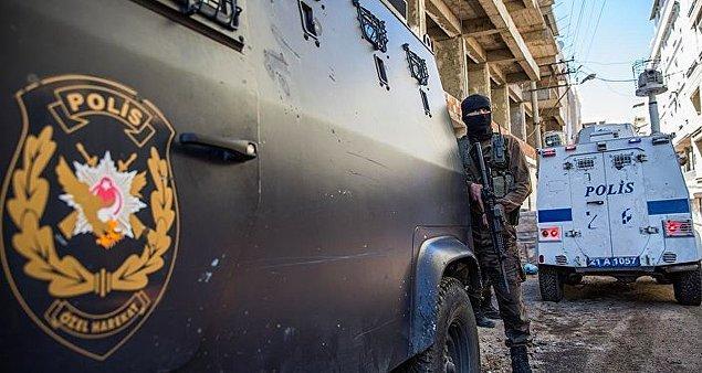 Diyarbakır'da yaralanan polis memuru GATA'da şehit oldu