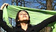 Laik Bir Ülkede Yaşamanın Değerini Hatırlatan İranlı Kadınlar Rejime Trolleyerek Direniyor