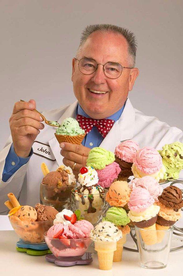 4. Harrison günde 60 çeşit dondurma aroması tadıyor. Kendi hesaplarına göre şirkette tattığı dondurma birkaç milyon litreye denk geliyor.