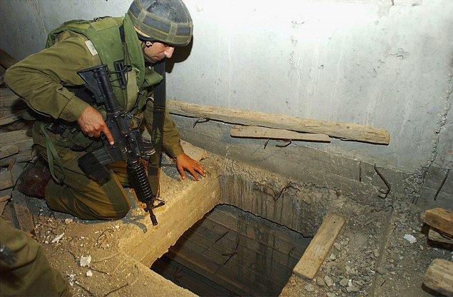 В 2003 году израильский таксист Элияху Гурель был похищен после того, как отвез в своем автомобиле трех палестинцев в Иерусалим. Но подразделению Сайерет Маткаль удалось обнаружить его и спасти из шахты глубиной 10 м на заброшенной фабрике в пригороде Рамаллы.