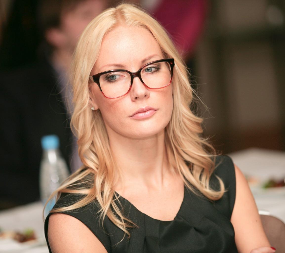 Секс фото без порно с Елена Летучая можно посмотреть бесплатно на Starsru.ru