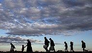Binlerce Mülteci 'İltica Başvurularının Kabulü İçin' Hıristiyanlığa Geçiyor