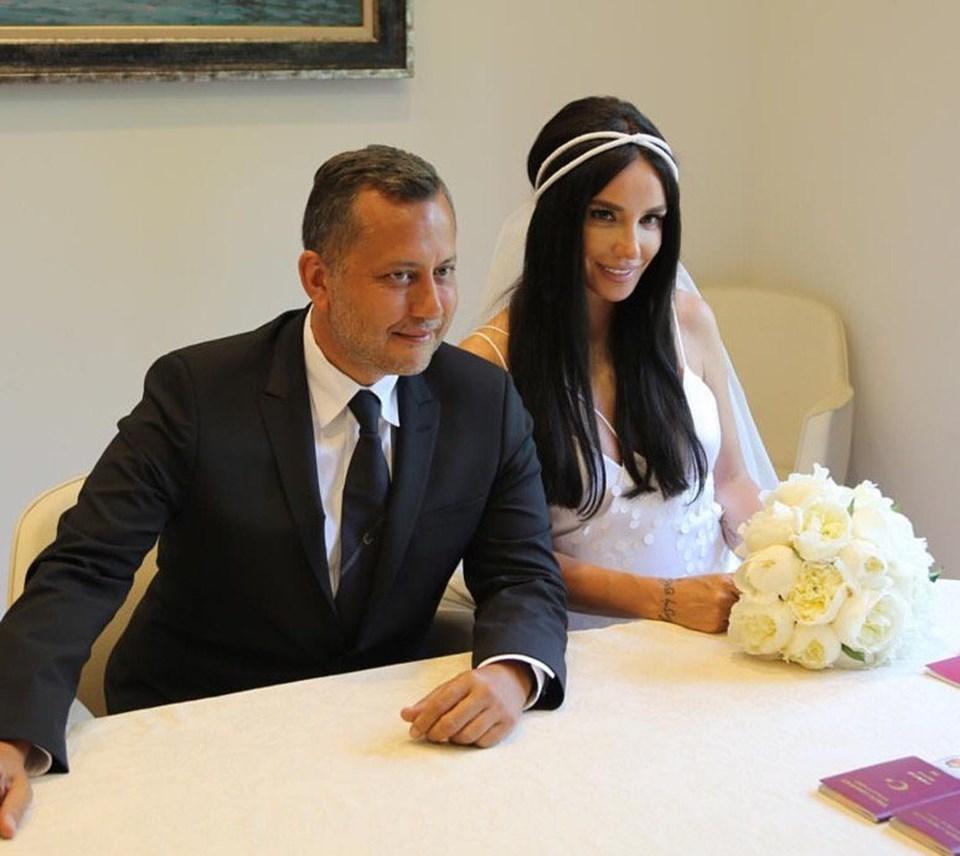 Gülşen ve eşi Ozan Çolakoğlu çifti tatilde