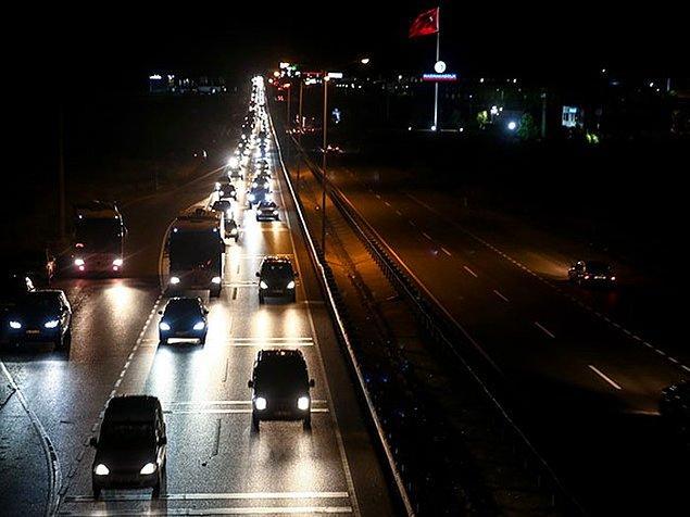 Karacabey-Bursa karayolunda 30 kilometrelik araç kuyruğu