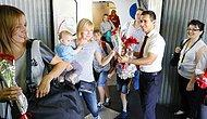 İlk Rus Turist Kafilesi Antalya'da: Çiçeklerle Karşılandılar