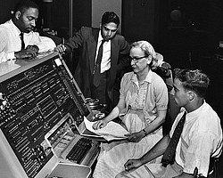 Grace Hopper - IBM-Harvard Mark 1