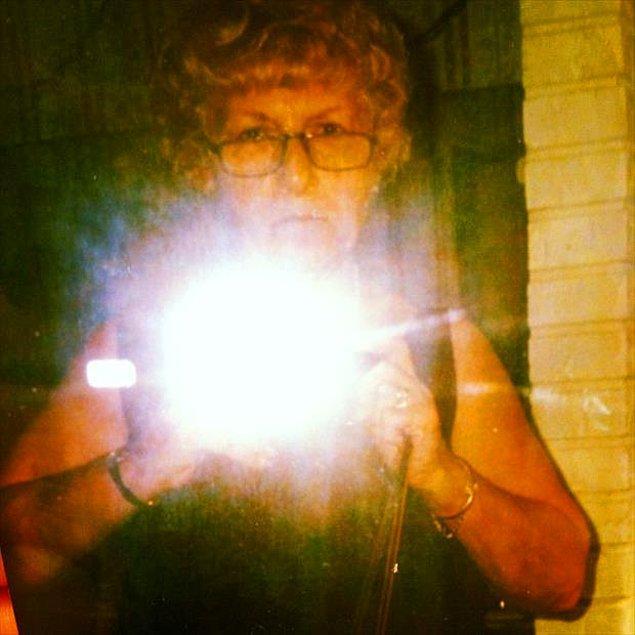 14. Meşhur ayna selfiesi.