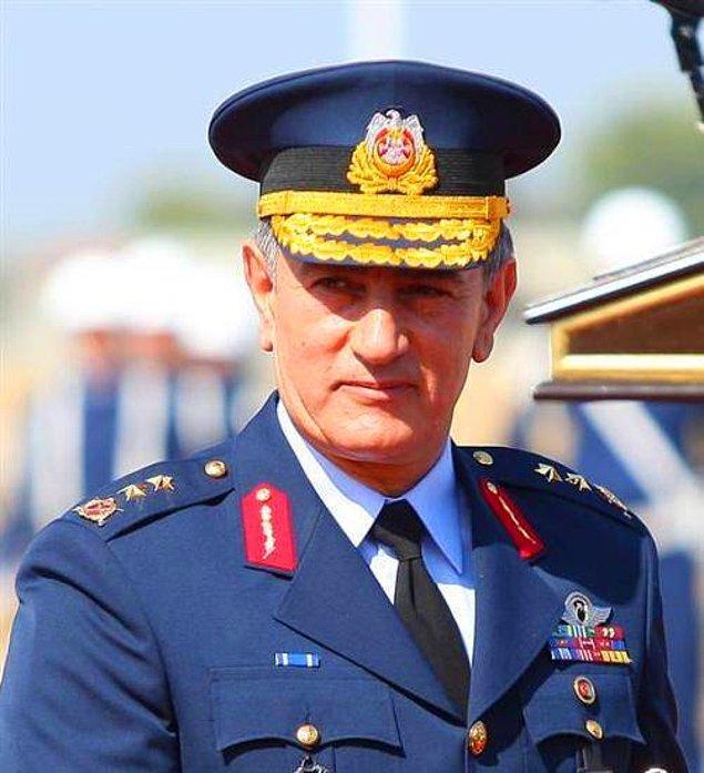 Eski Hava Kuvvetleri Komutanı Orgeneral Akın Öztürk