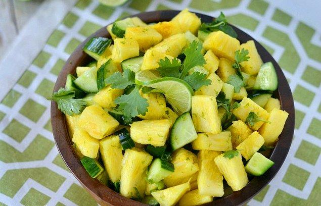 10. Ananaslı Ferahlatan Salata Tarifi