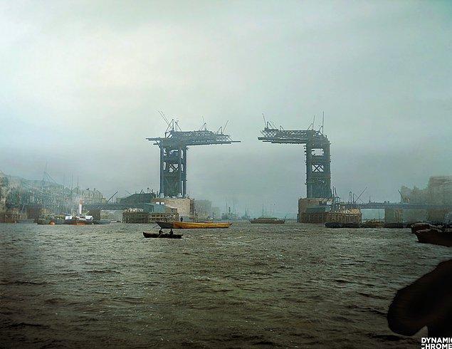 14. Yapım aşamasında olan Tower Bridge, Londra, 1889.