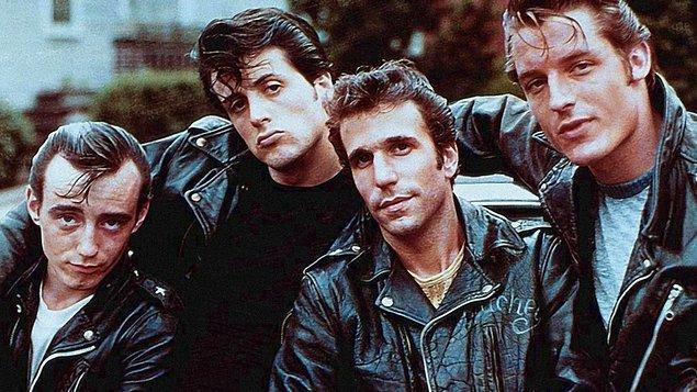 Nasıl bir gerginlikse artık, set molasında Gere, Stallone'un pantolonuna hardal ve tavuk yağı fırlatmış...