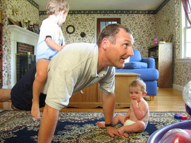 29. Çocuklarınızla yeteri kadar vakit geçirmemek.