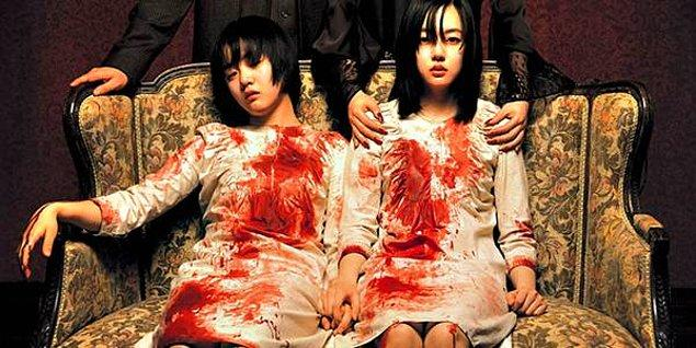 12. Sumi Karakteri ile Moon Geun Yeong, Suyeon Karakteri ile Lim Su-jeong