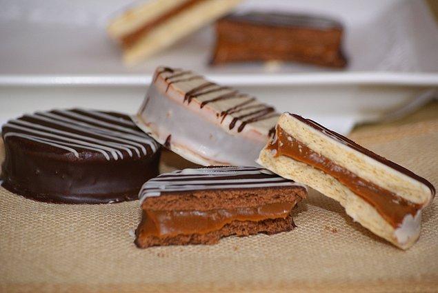 """9. Arjantin'de insanlar """"Alfajores"""" adını verdikleri karemelli çikolataların tutkunlarıdır."""