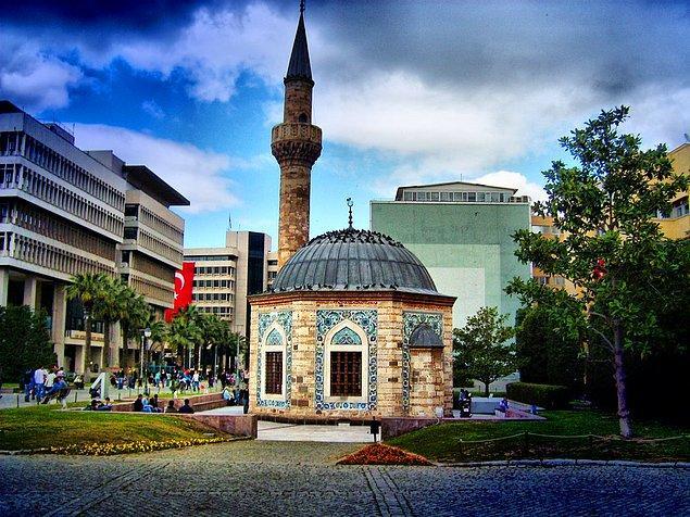 17. Dini yerleri ziyaret edin