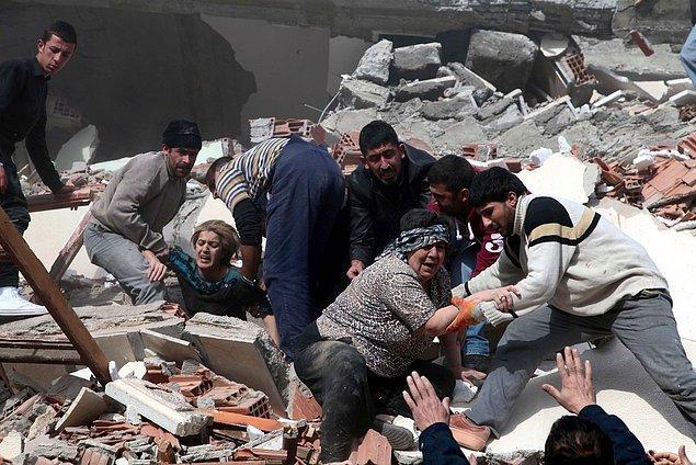 """""""Van depreminde 100'den daha az sayıda binaya bile müdahale oldukça zor oldu"""""""