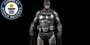 İrlandalı Cosplayer Müthiş Donanımlı Batman Kostümü ile Rekorlar Kitabına Girdi