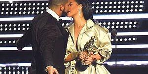 Herkesin Önünde Rihanna'ya Aşık Olduğunu Açıklayan Drake'in Öpücüğü Karşılıksız Kaldı!